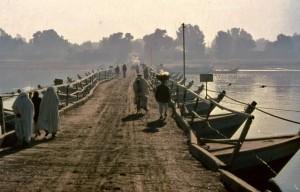 Kishti Pull ( Join boats to form a bridge )